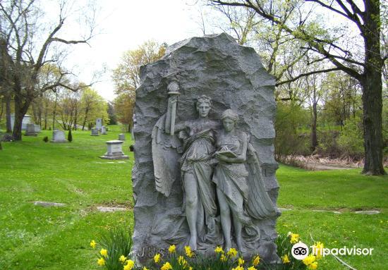 Oakwood Cemetery2