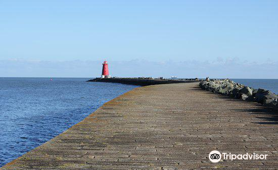 Poolbeg Lighthouse3
