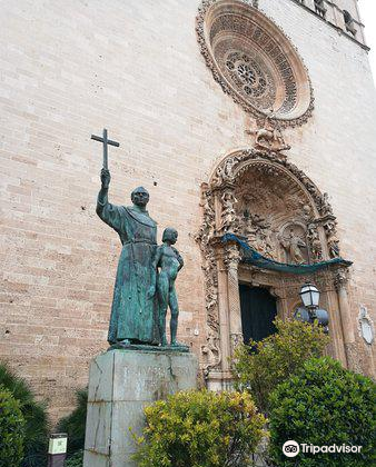 Monumento a Fray Junipero Serra4