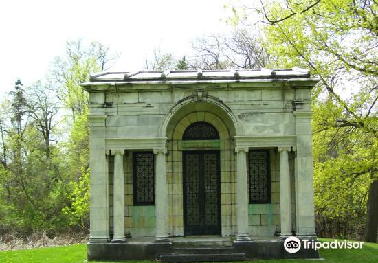 Oakwood Cemetery1