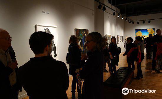 Harris Harris Gallery4