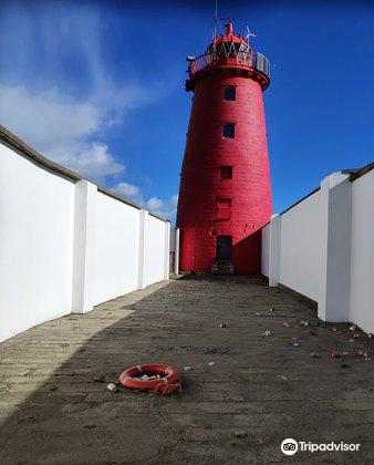 Poolbeg Lighthouse2