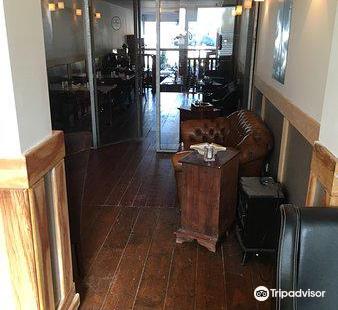 Jacks' Cigar Lounge & Bar